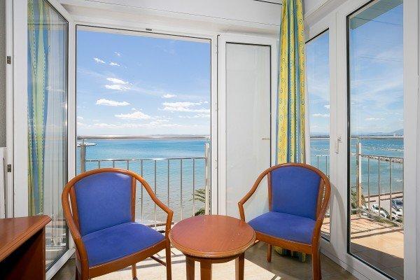 Chambre Quadruple avec vue sur la mer